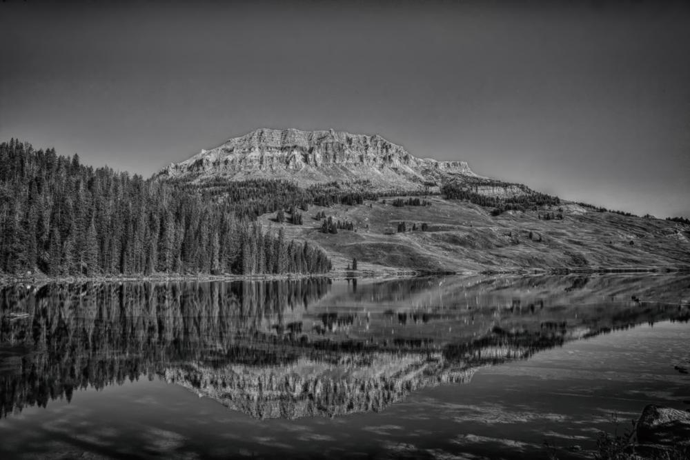 Beartooth Lake and Plateau B/W
